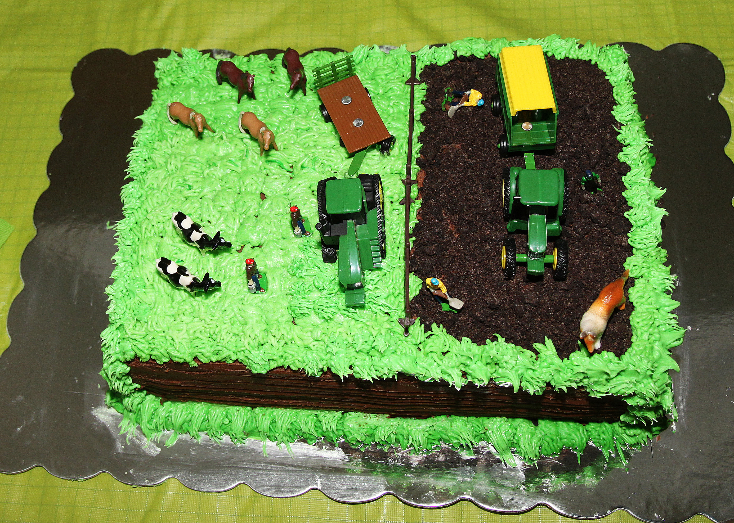 Images Of Tractor Birthday Cake : The Tractor Cake!!! Mommy Ramblings